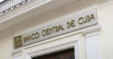 Aclaraciones necesarias sobre la suspensión temporal de la aceptación de depósitos bancarios en efectivo de dólares estadounidenses