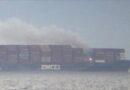 Contenedores con materiales peligrosos se incendian a bordo de un carguero cerca de las costas de Canadá y emiten humos tóxicos